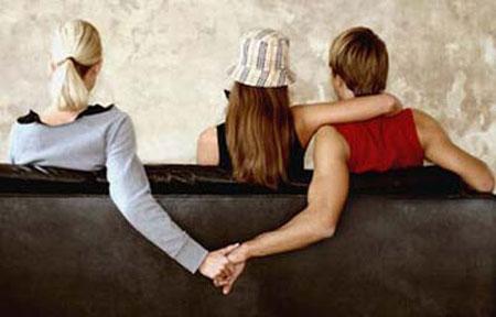 女子与闺蜜丈夫出轨被暴打 要求道歉赔偿被驳回